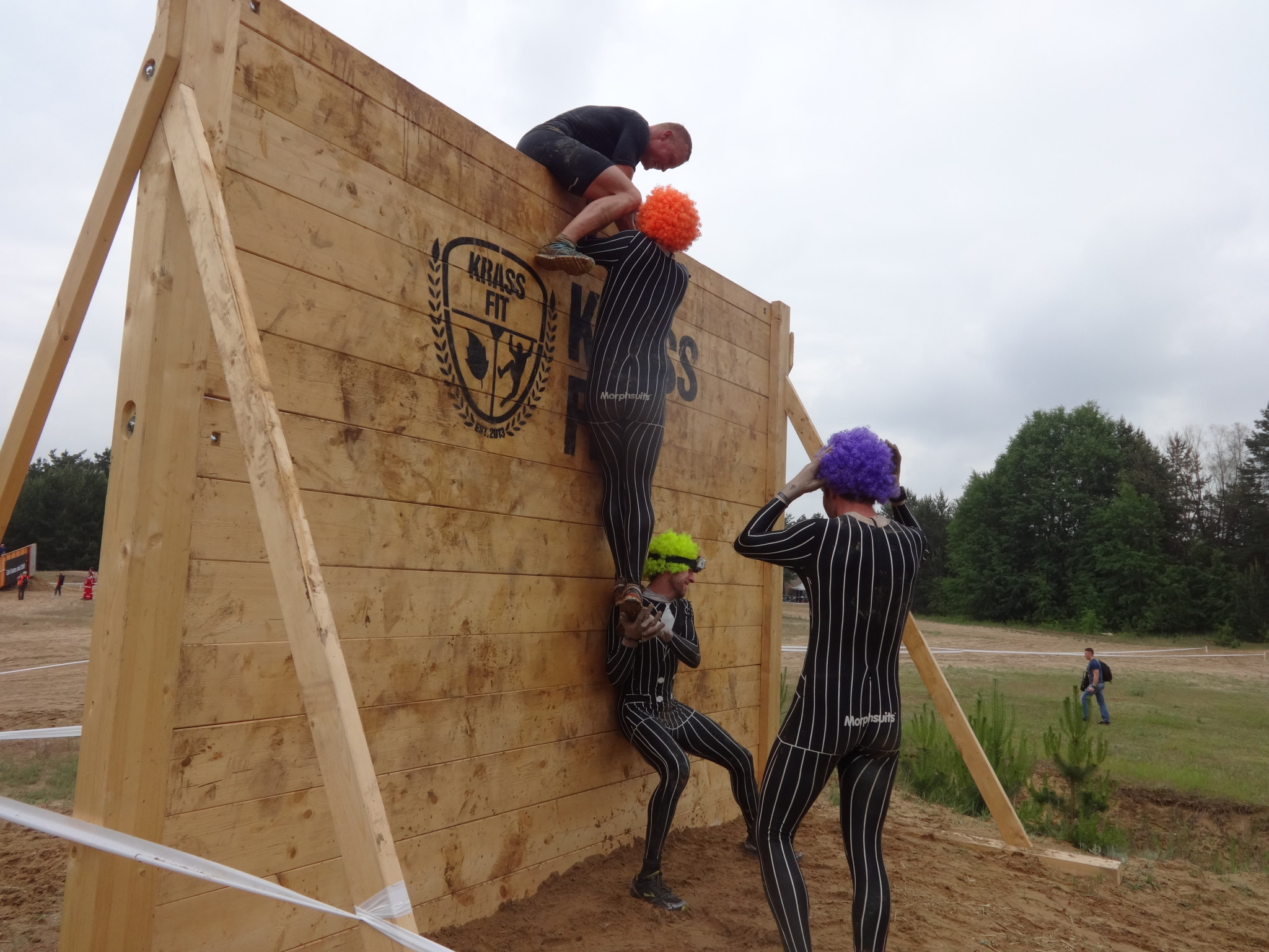 Obstacle race teamwork