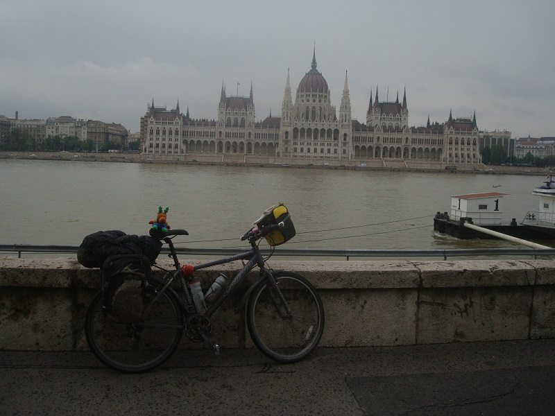 cycling adventue cycle touring budapest danube