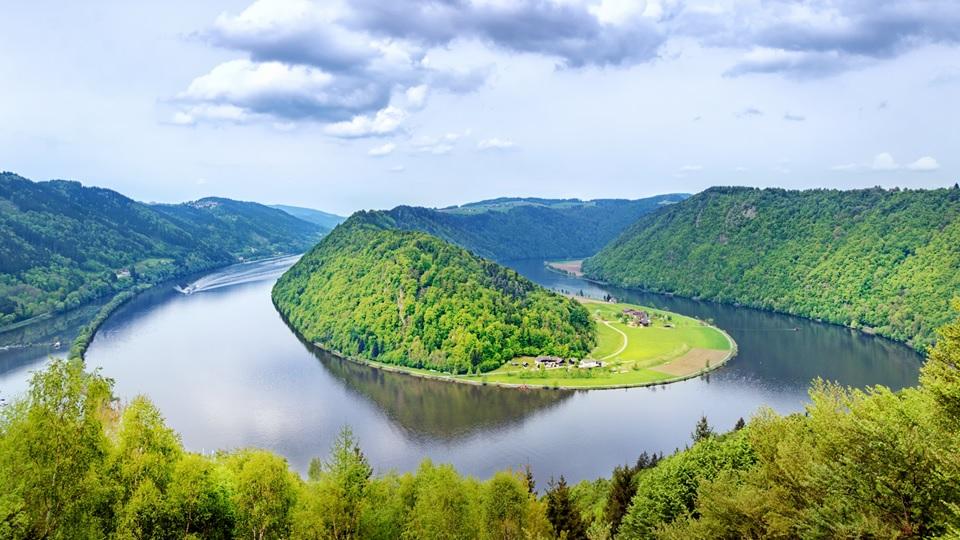 Unser Donau-Floß: Wie viel Raum brauchen Träume?