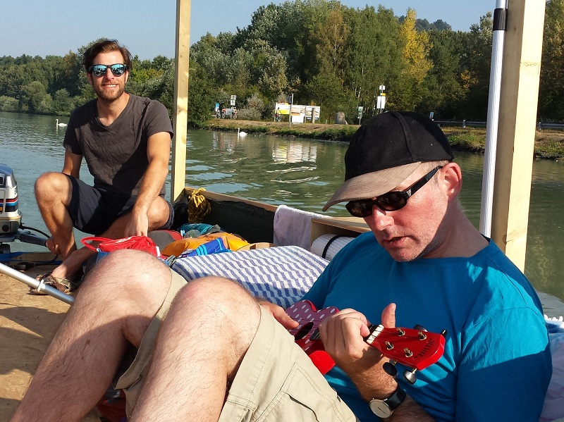 Ukulele spielen Donau Abenteuer