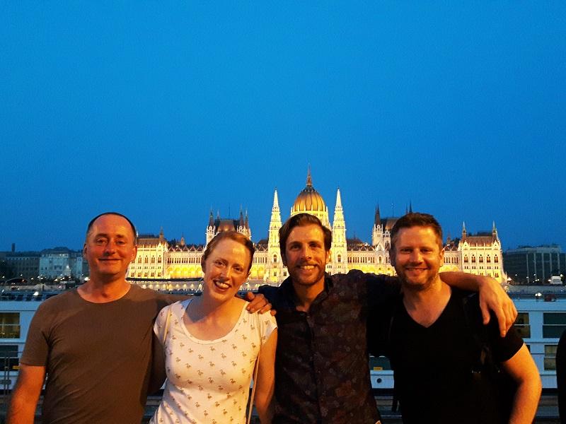 Budapest by night raft adventure