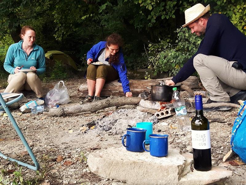 rafting wild camping microadventure danube