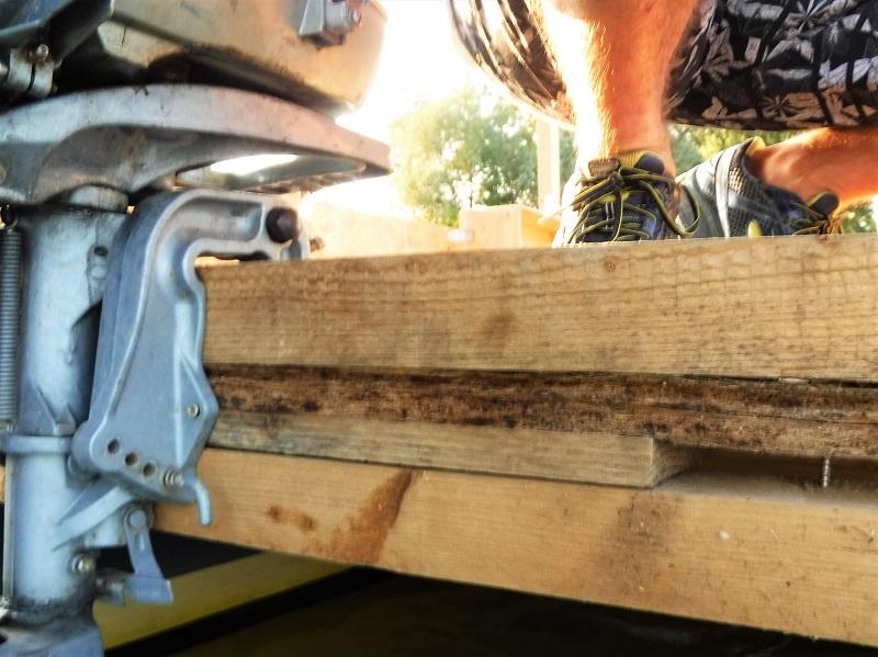 outboard motor raft secure